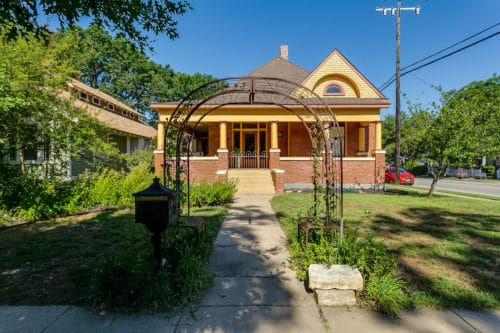 1700 Fairmount Ave, Fort Worth TX 76110