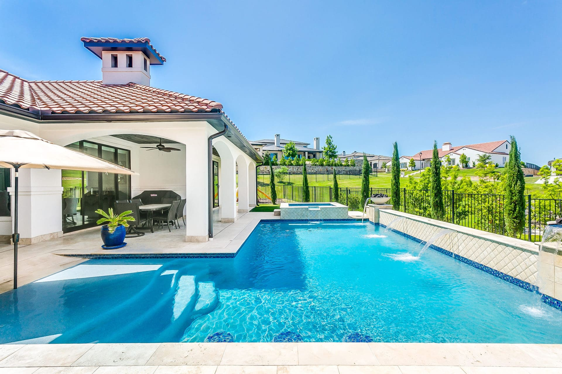 Homes with pools in Fort Worth Texas