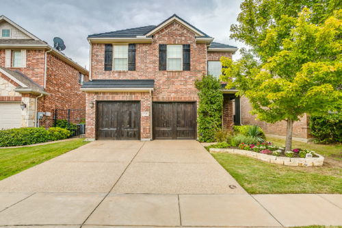 1328 Cog Hill Dr, Fort Worth, TX 76120